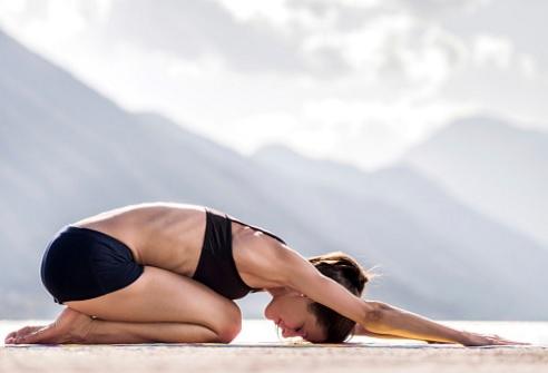 8 façons dont le Yoga améliore votre Santé…